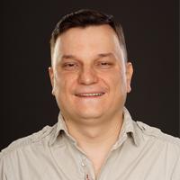 Сотрудник компании Хоум Системс Аналитик Алексей