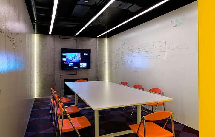 Офис MacPaw, Домашняя автоматизация, климат-контроль, управление освещением, система мультирум, Фото 2