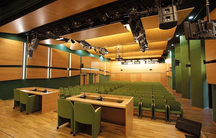 Конгресс-отель «Пуща», управление освещением, система синхронного перевода, озвучивание конференц залов, концертный звук, DMX, видеоконференции, система видеонаблюдения, Фото 2